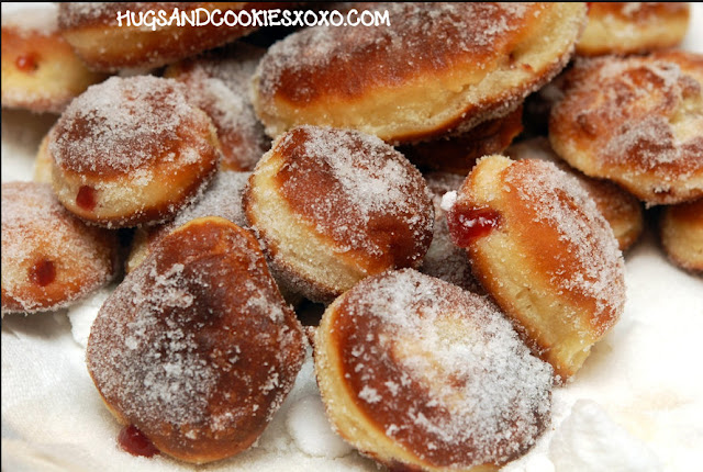 MOVE OVER DUNKIN DONUTS, WE'RE MAKING HOMEMADE JELLY DOUGHNUTS ROLLED ...