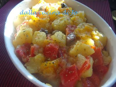 contorno di patate e peperoni alla mediterranea