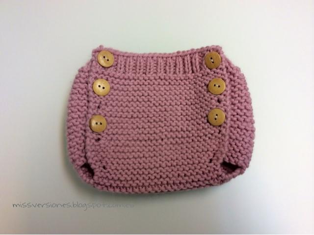 Missversiones: Patrón cubre pañal de calceta