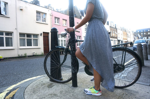 chloeschlothes - Porter les sneakers en jupe