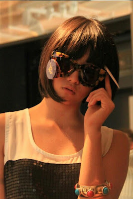 Dhike foto premium content JKT48 clock