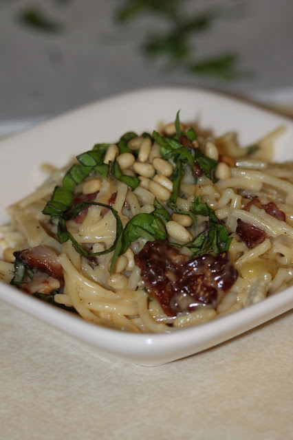 Tortillas and Honey: Brie, Bacon and Basil Pasta
