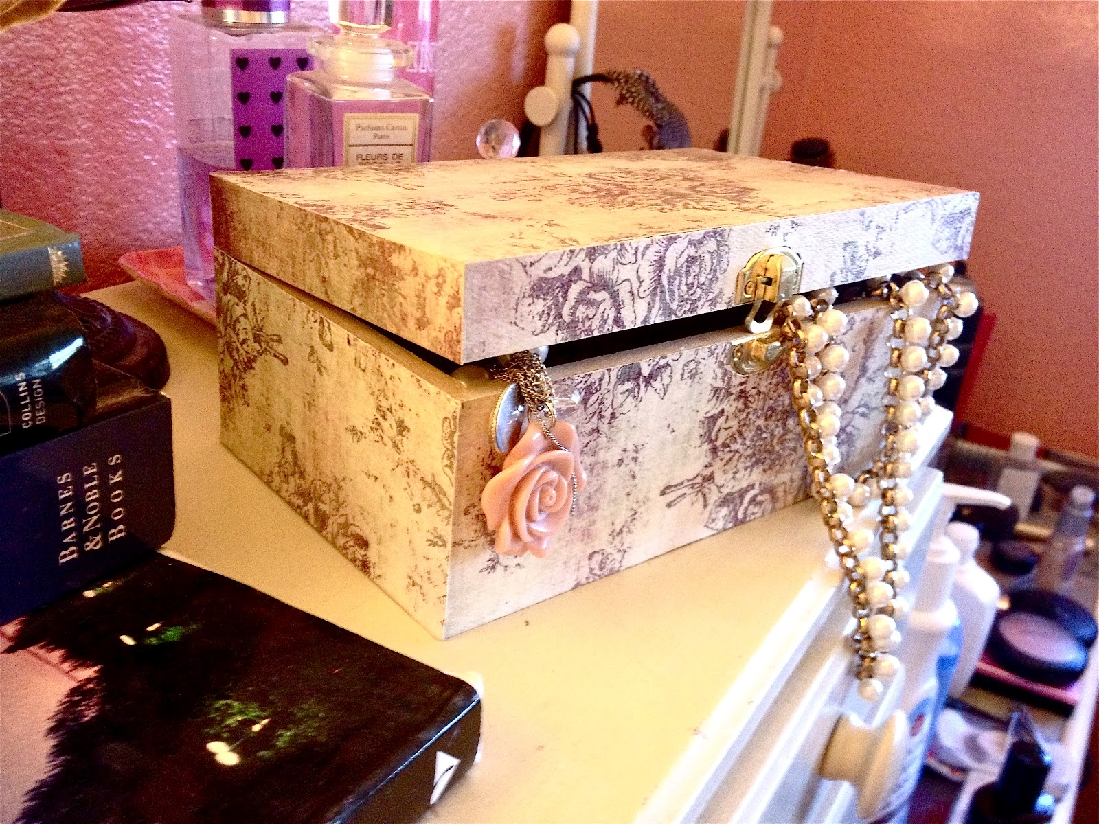 Sissys Closet Mod Podge Jewelry Box