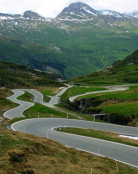 most beautiful highways switzerland san bernardino pass. Black Bedroom Furniture Sets. Home Design Ideas
