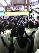 原因. 追記 人身事故の影響もありか ▲埼京線混雑は人身事故 山手線 .