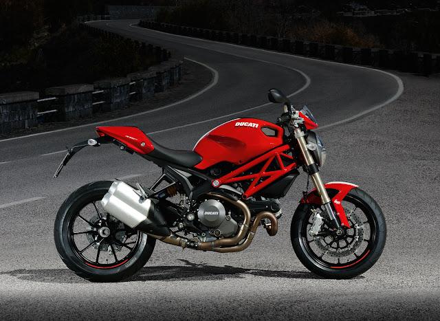 Ducati Monster 1100 EVO-2012_a.jpg
