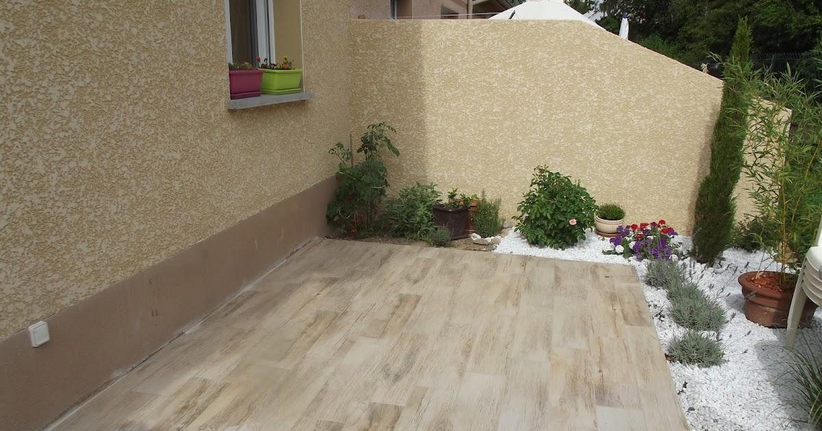 Concept carrelage cr ation terrasse avec des carreaux - Credence imitation bois ...