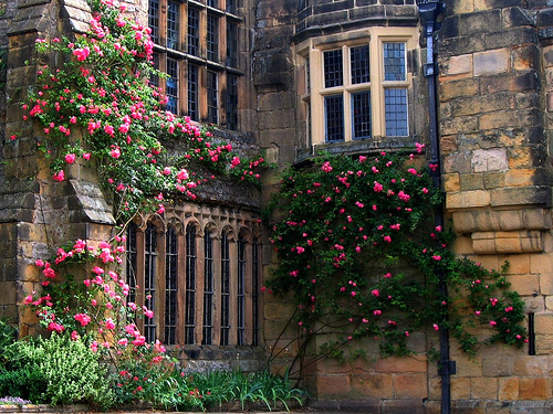 HADDON HALL IN DERBY SHIRE, UNITED KINGDOM