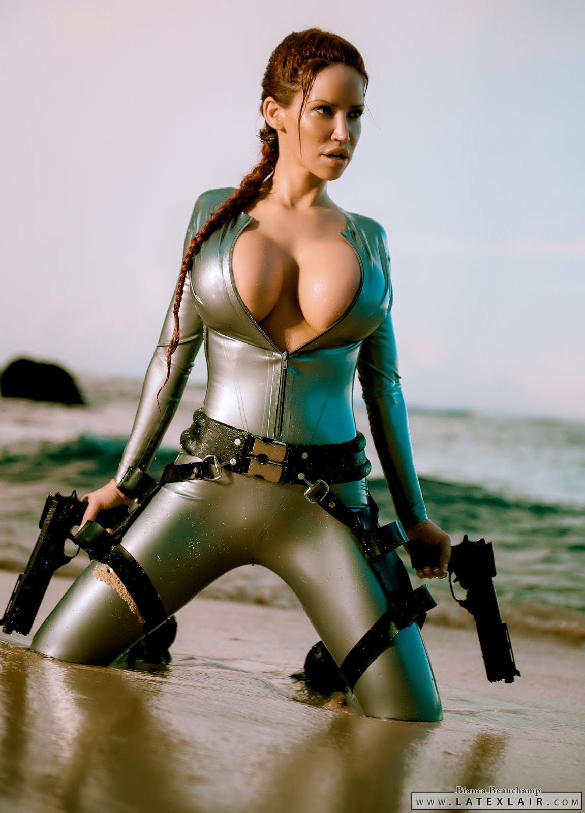 Hetai porn lara croft exposed pictures