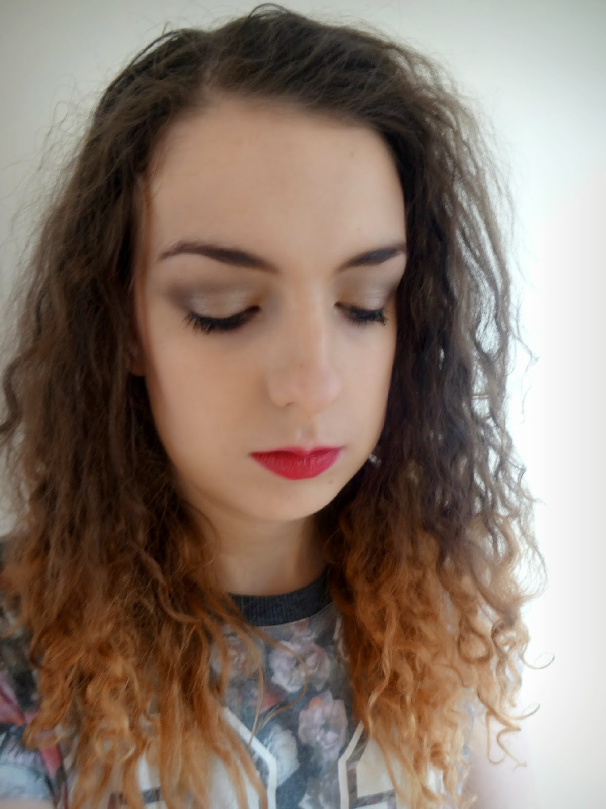 Easy Makeup Look Using the Naked 2 Palette