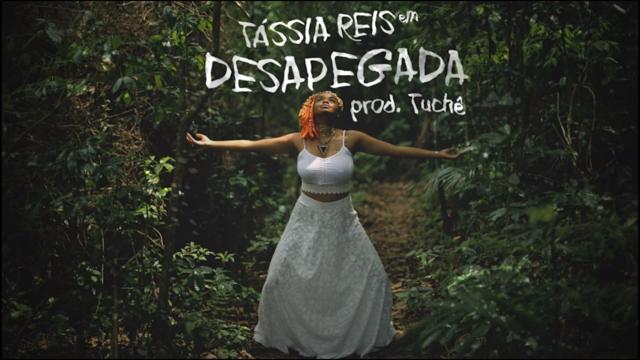 """Tássia Reis lança o som """"Desapegada"""" com prod. de Rodrigo Tuchê"""