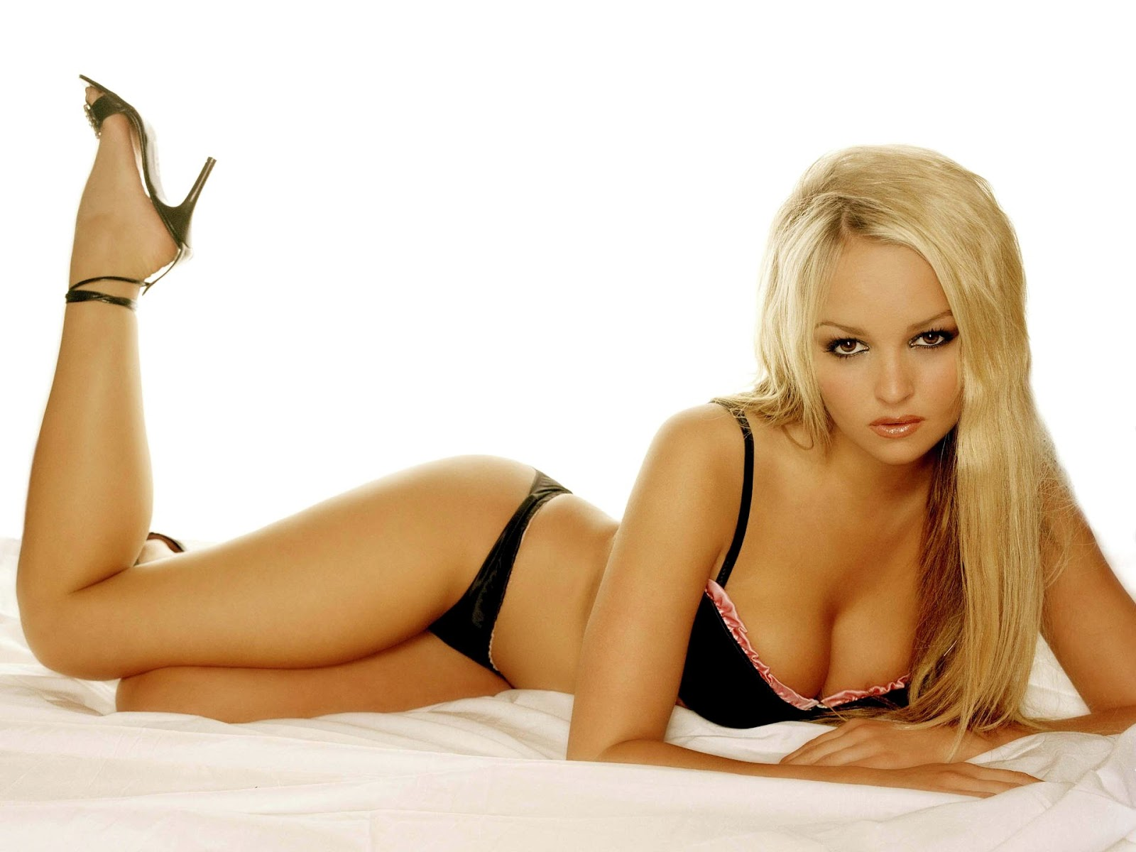 JENNIFER ELLISON ~ Celebrity Wallpapers  Emma Stone