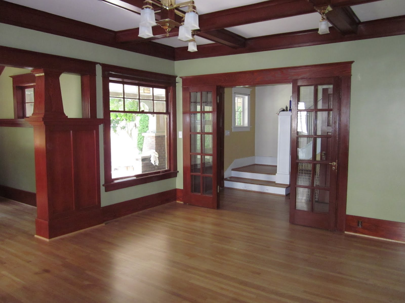 Laurelhurst craftsman bungalow living room photos for Interior colors for craftsman style homes