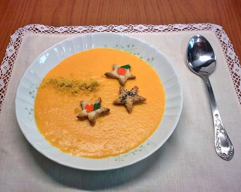 Crema de Zanahoria con Estrellitas de Hojaldre