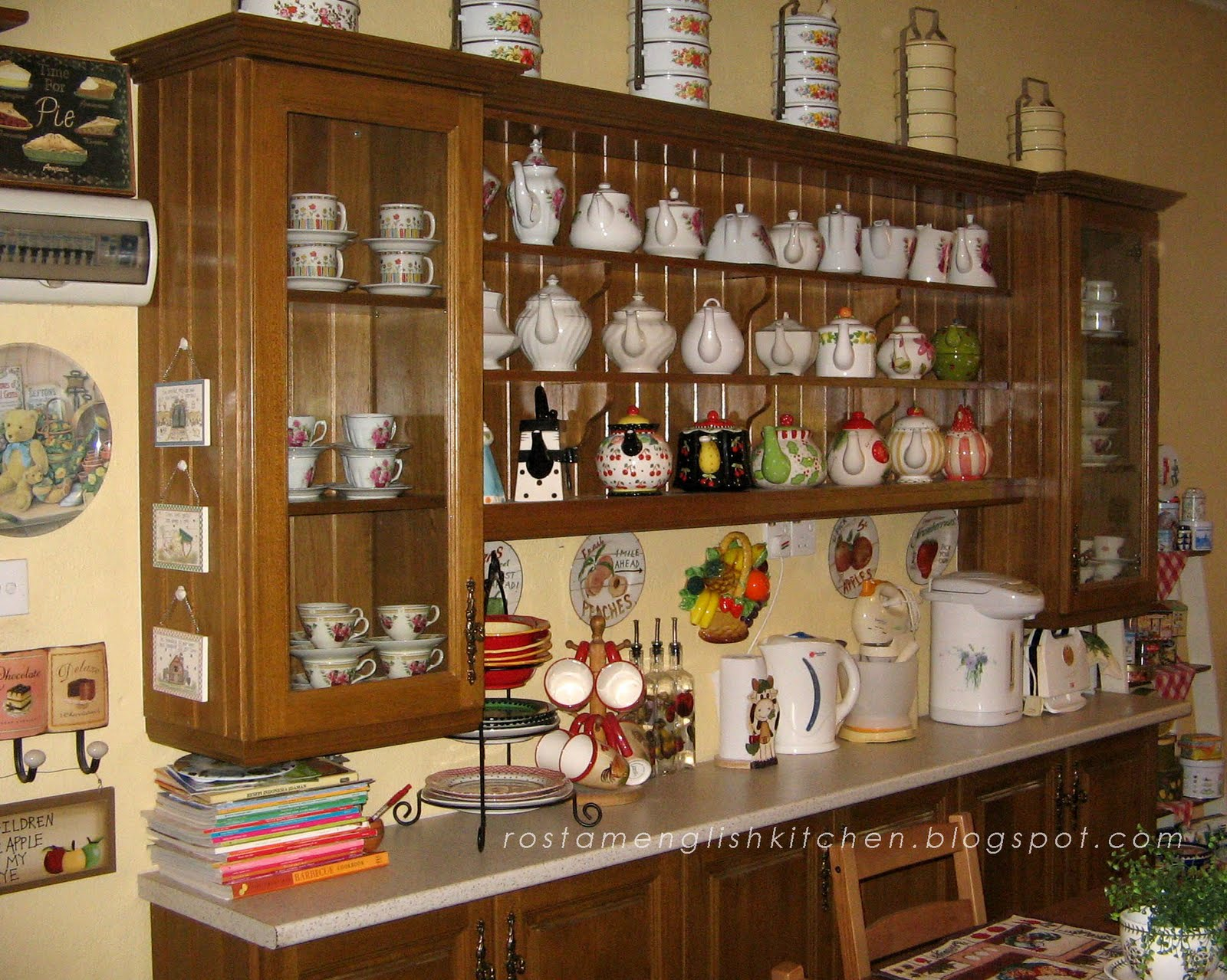 English Country Kitchen Cabinets
