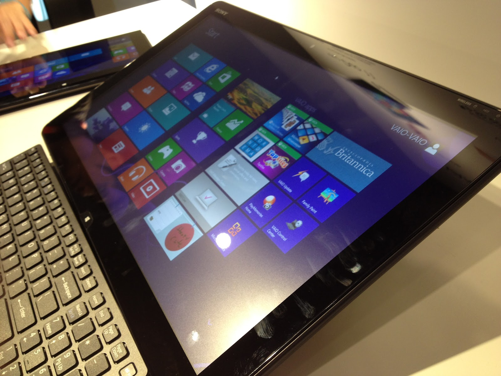 Sony Philippines launches Vaio Duo 11 and Tap 20 title=