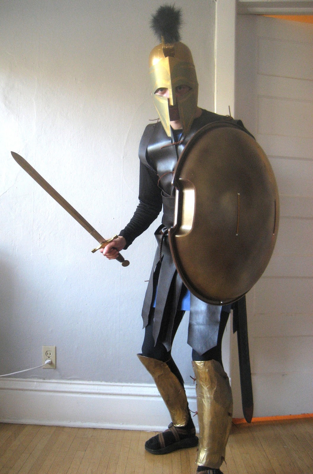DIY Spartan Hoplite Costume How to make a faux-leather Linothorax inspired by Gladiator costume no sewing required! & Chuck Does Art: DIY Spartan Hoplite Costume: How to make a faux ...