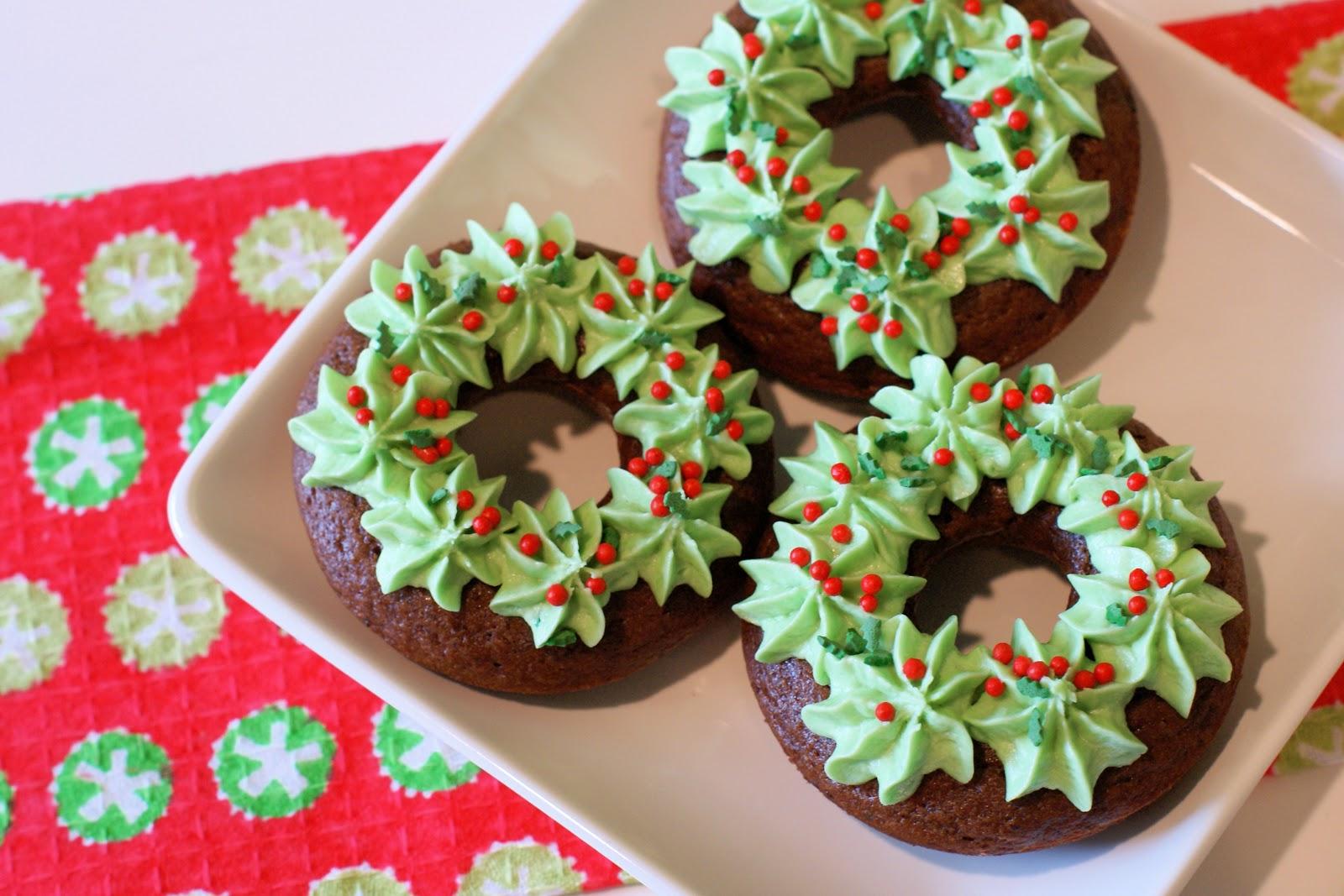 12 Days of Christmas Day 6 {GF Christmas Wreath Donuts ...