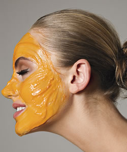 mascara-facial-caseira-combater-acne