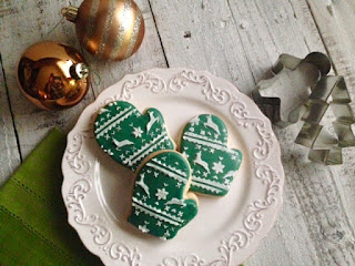 Festive Winter Mitten Sugar Cookies