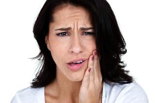 Tanda-tanda Dan Rawatan Gusi Bernanah Serta Vitamin Yang Sesuai