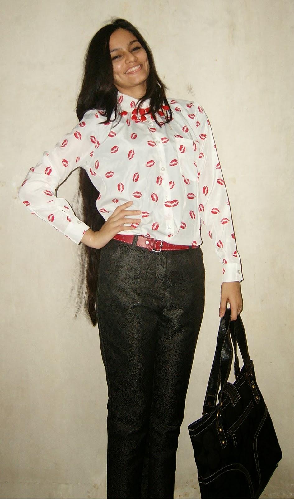 street shopping in mumbai, thrifty shopping, kiss shirt, indian blogger, fashion in mumbai