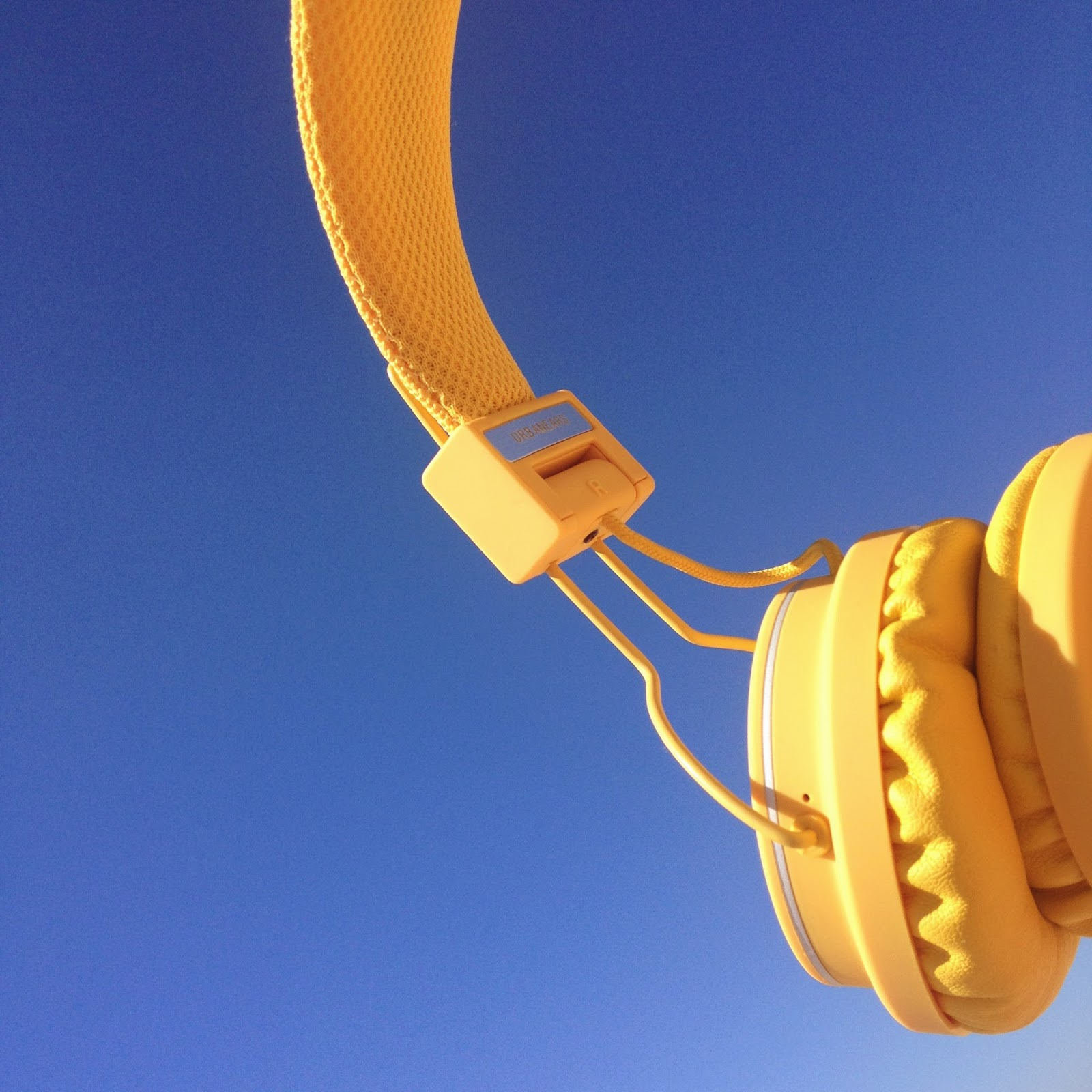 bikini beach day,casque audio, urban ears,jaune,yellow