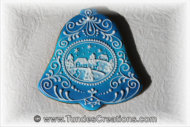 Blue bell gingerbread cookies with showy landscape by Tunde Dugantsi
