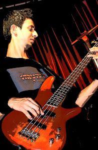Alexandre Fernandes (Bass)