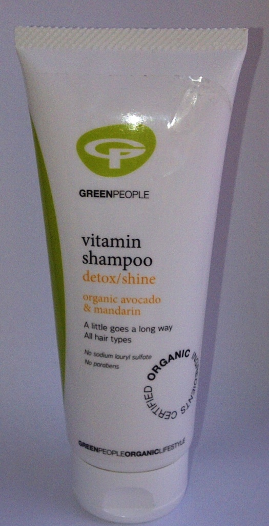 dry shampoo swot Abstract about hair shampoos a wide variety of hair shampoos is available in the market, with each type having specific properties a few of the categories are professional, daily shine, anti-dandruff, and dry shampoos.