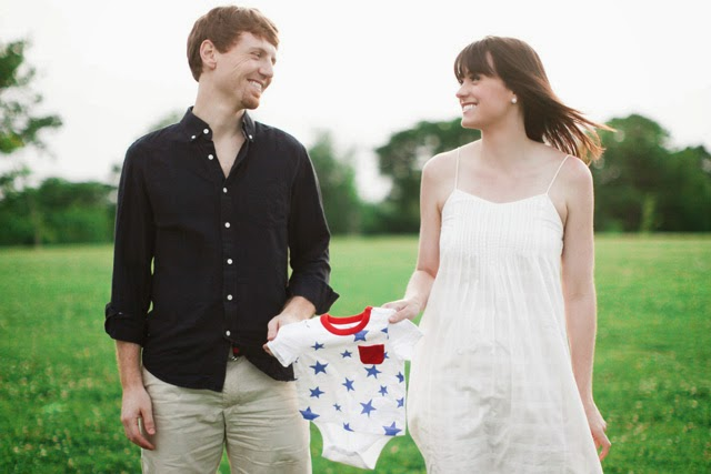 Fourth of July Pregnancy Reveal | chelsa-bea.com