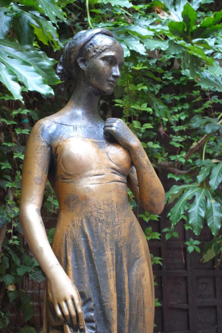 Juliet statue by Nereo Costantini, Verona