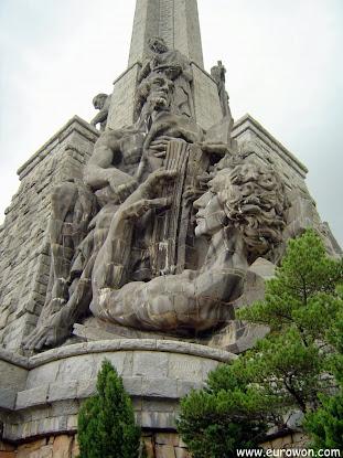 Detalle de la gran cruz del Valle de los Caídos