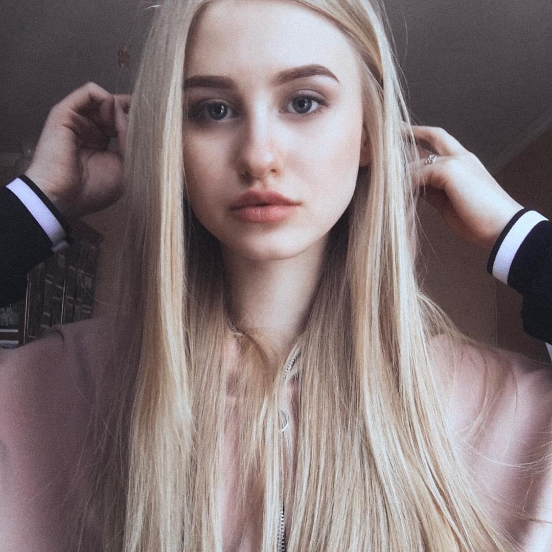 Di Barbie Диана Слив