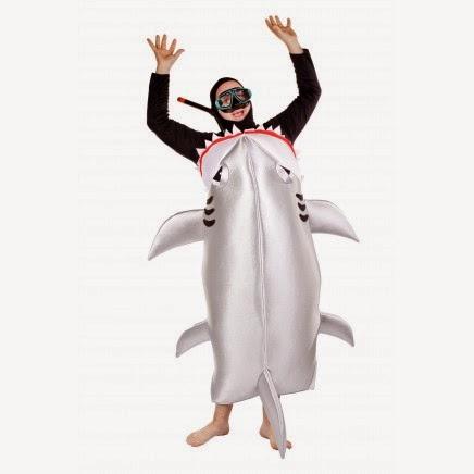 Disfraz tiburón devorando a buzo