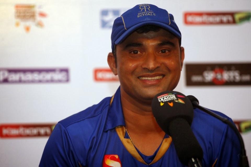Pravin-Tambe-Rajasthan-Royals-vs-Chennai-Super-Kings-SF 1-CLT20-2013