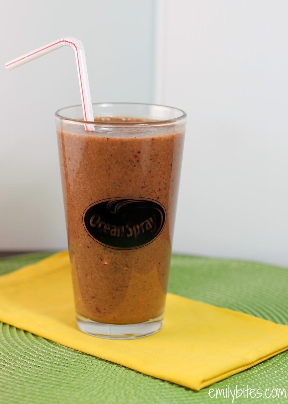 "Berry ""Green"" Smoothie | Pinnutty.com"
