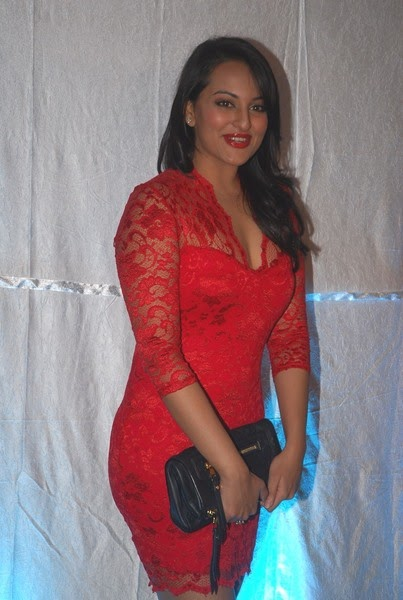 Sonakshi Sinha Side View In Red Dress Hot Picture ...