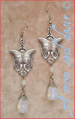 Boucles d'Oreilles papillon blanche opale elfique féerique mariage white opal elven fairy butterfly earrings