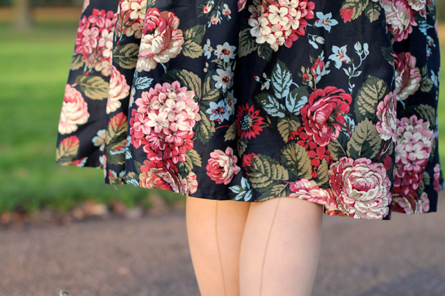 Jasmine woodland bloom full skirt by Collectif