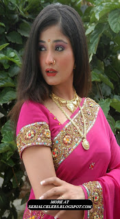 Kiran Rathod in pink saree blouse