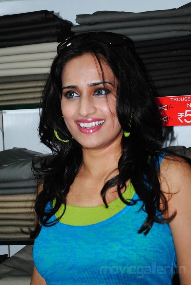 Chinmayi Ghatrazu Latest Pics Chinmayi Telugu Actress
