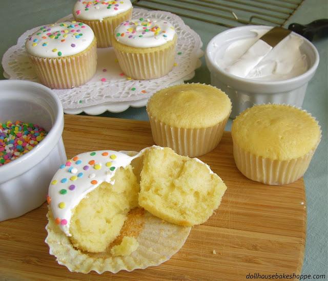 http://blog.dollhousebakeshoppe.com/2011/11/best-vanilla-cupcakes-ever.html