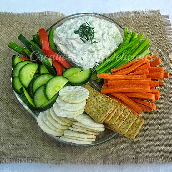 Skinny Blue Cheese and Chives Dip ~ Delicious low calorie Cheese Dip which you can munch on all day without the guilt ! #CheeseDip #SkinnyDip #SkinnyRecipe #DipRecipe
