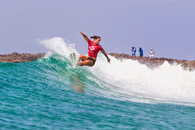 19 Roxy Pro Gold Coast 2015 Tyler Wright Foto WSL Kelly Cestari