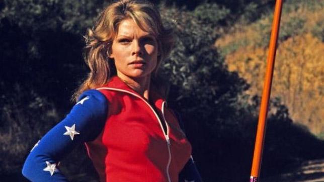 """Cathy Lee Crosby en el film """"Wonder Woman"""" (1974)"""