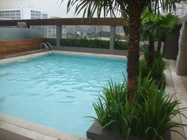 F1 HOTEL MANILA POOL, HOTEL POOL, FORT HOTEL