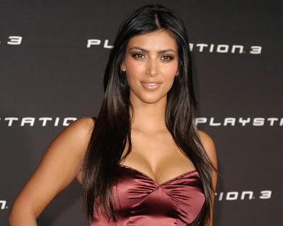 kim_kardashian_hot_wallpaper_in_bikini_07_fun_hungama_forsweetangels.blogspot.com