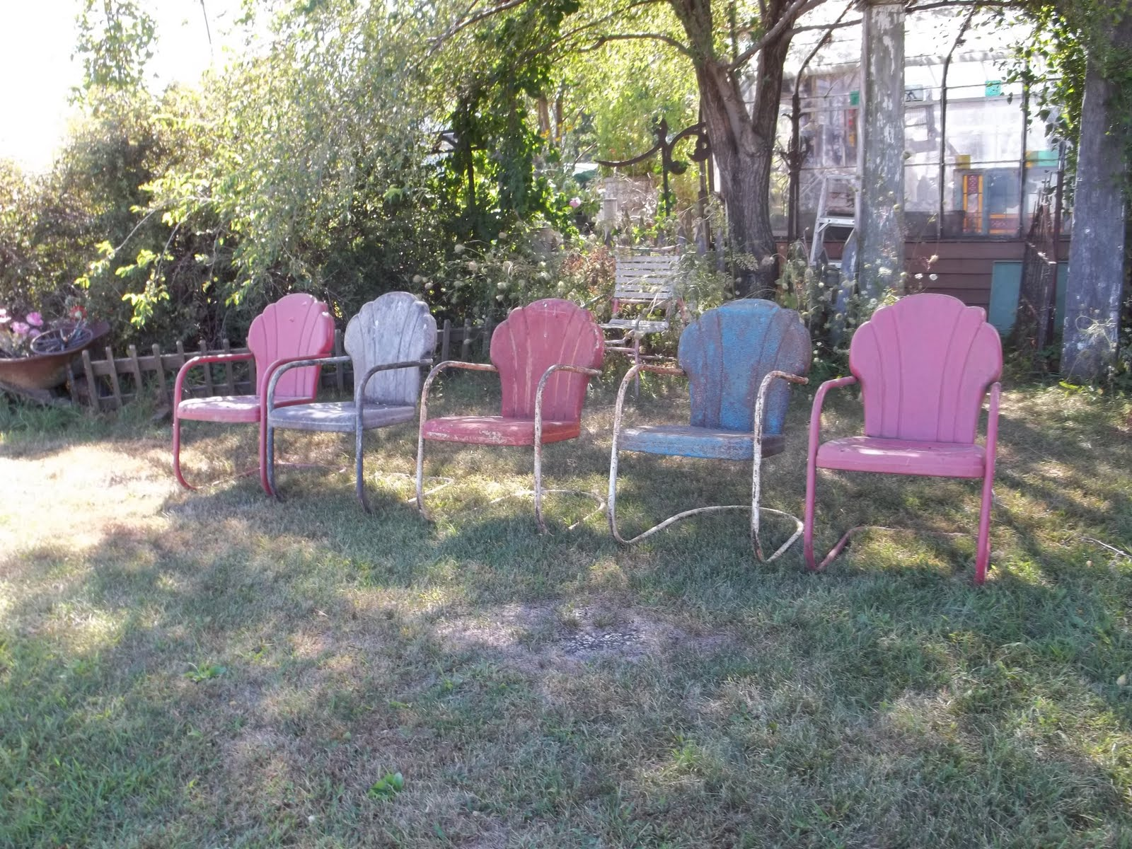 simply iowa vintage metal lawn chairs come sit a spell