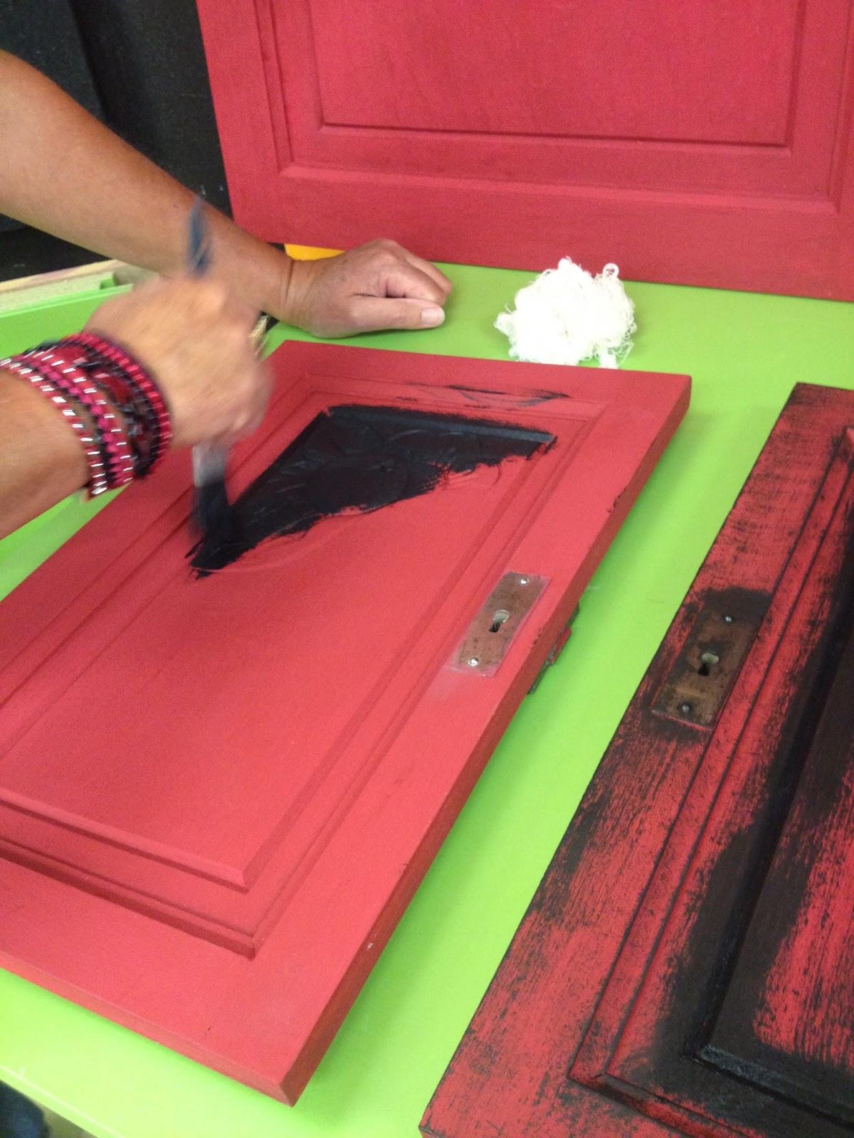 peinture sur meuble colori bol ro finition patine noir. Black Bedroom Furniture Sets. Home Design Ideas